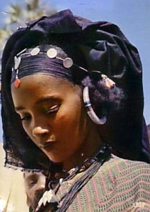 Africa |  Young Tuareg woman from Niger || Scanned postcard; publisher IRIS