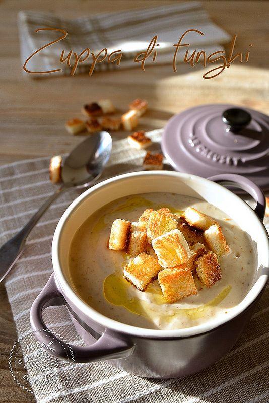 Zuppa di Funghi servita nelle Le Creuset