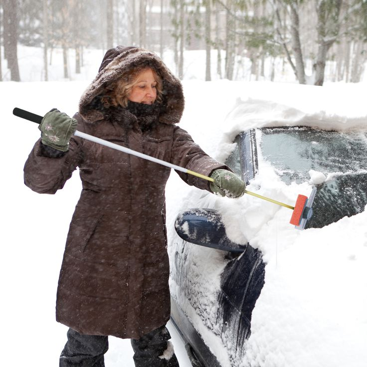 Driving with dirty, snowy or icy windows is a huge safety hazard. This Car Window Cleaner can be used the entire year, regardless of the season or weather condition. Get to hard-to-reach areas with the telescopic stick. #lifehammer