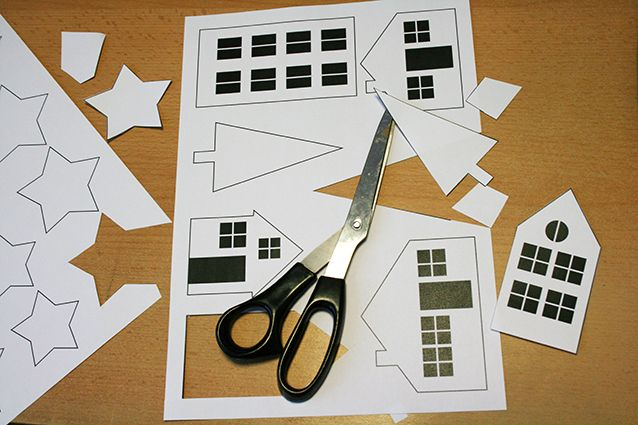 Descarguese la plantilla y recorte los edificios y casas