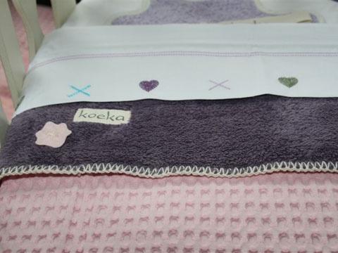En met deze lieve dekentjes maak je het bedje helemaal gezellig.. :-)