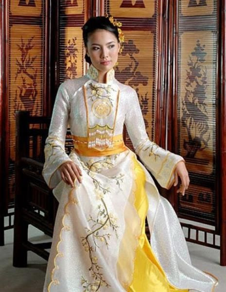 Шелковые костюмы во вьетнаме