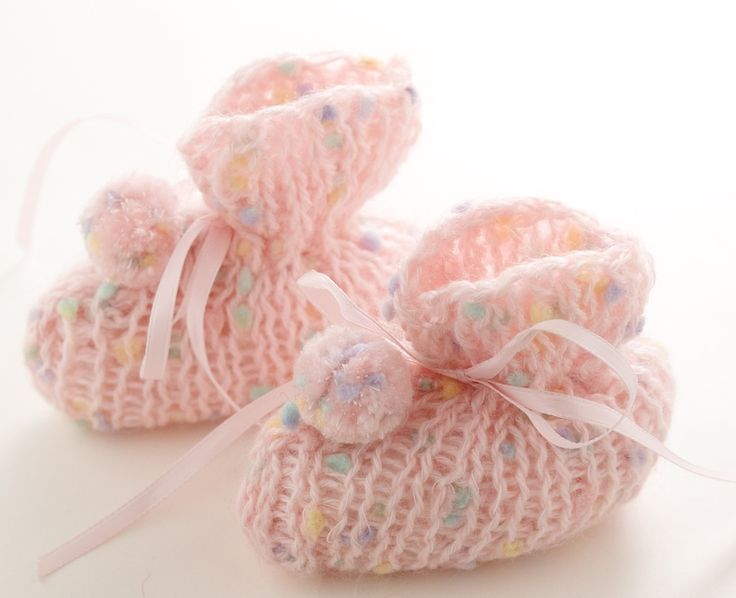 51 best images about LOOM BABY BOOTIES on Pinterest Knitting looms, Knit pa...
