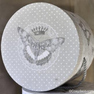 Boîte Ronde Mathilde-M Décoration Papillons chez cosydeco.com