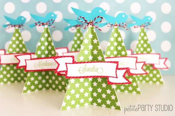 Love these paper tree place cards for holiday!
