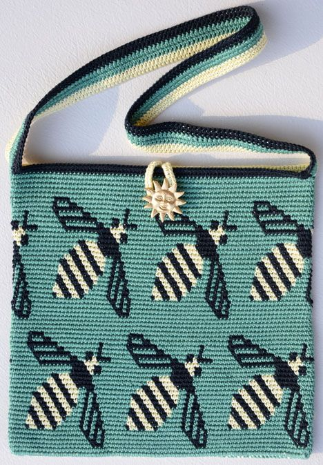 Carol Ventura shares her ongoing design process for her Tapestry #Crochet Bee Bags