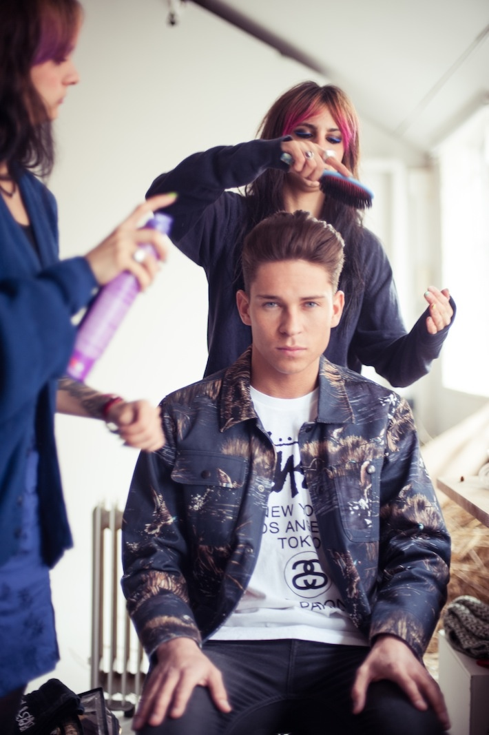 Joey Essex getting his hair done by BLEACH London