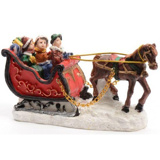 Kerstdorp figuurtjes slee met paard  Kerstdorp figuurtjes slee met paard. Dit figuurtje is ideaal voor in bijvoorbeeld een kerstdorp. Afmetingen: ongeveer 12 x 5 x 65 cm. Materiaal: polyresin.  EUR 6.95  Meer informatie