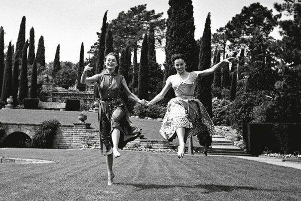 Брижит Бардо и Лесли Карон, 1950-е