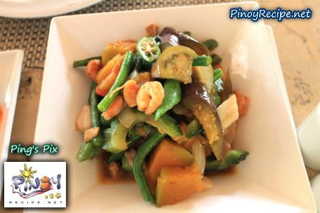 "How to cook Pakbet or Pinakbet  Pinakbet or Pakbet is a popular Ilocano dish, and one of the authentic Filipino food. The word Pinakbet or Pakbet is the contracted form of the Ilocano word pinakebbet, meaning ""shrunk"" or ""shriveled"".    Read more: http://www.pinoyrecipe.net/pakbet-or-pinakbet-recipe/"