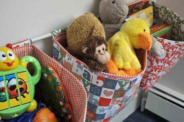 Storage bins: Mothers Huddl, Fabrics Storage, Fabric Storage, Storage Bins, Storage Baskets, Baskets Tutorials, Hanging Fabrics, Hanging Storage, Hanging Baskets