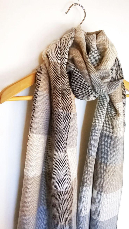 Handgeweven kasjmier sjaal Merino Silk Check patroon door Handarbete