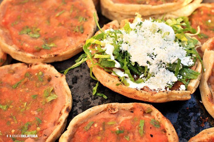 Mexican food sopes at Los Cabos organic market   #josafatdelatoba #cabophotographer #mexico #bajacaliforniasur #loscabos #sanjosedelcabo #handcraft #mercadoorganico #sanjomo