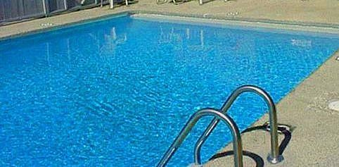 How To Clear Up A Cloudy Pool Quick And Easy Cloudy