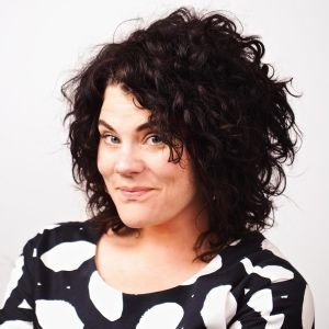 Carly Jacobs is the founder of her blog Smaggle and co-hosts on Straight and Curly and Teen Club. She has also appeared on the Sydney Morning Herald, The Age, Cosmopolitan and CLEO #blogger #podcast #abp