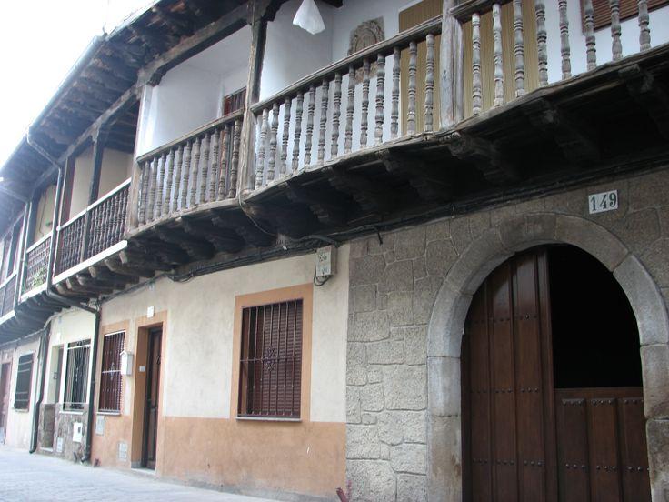 En la conocida como Calle Larga de Navaconcejo se encontraba la Casa de la Inquisición.