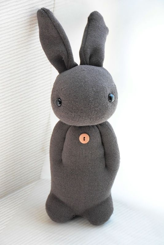 A little sock bunny, unfortunately without instructions …