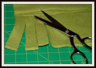 Fleece Ruffled Scarf - children's sewing project: 4 H Projects, Sewing Projects, Sewing Crafts, Ruffles Scarfs, Fleece Ruffles, Children Sewing, Children Activities, Fleece Felt No Sewing, Kids Crafts