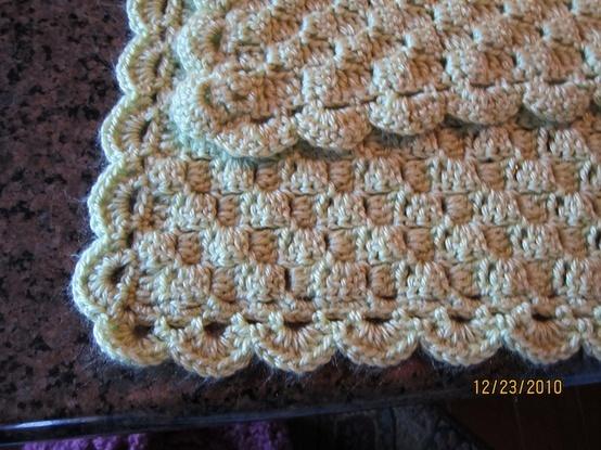 love the texture of the afghan - Free Crochet Corner Start Afghan.