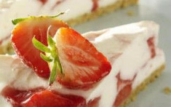 Yoghurttaartje met aardbeien