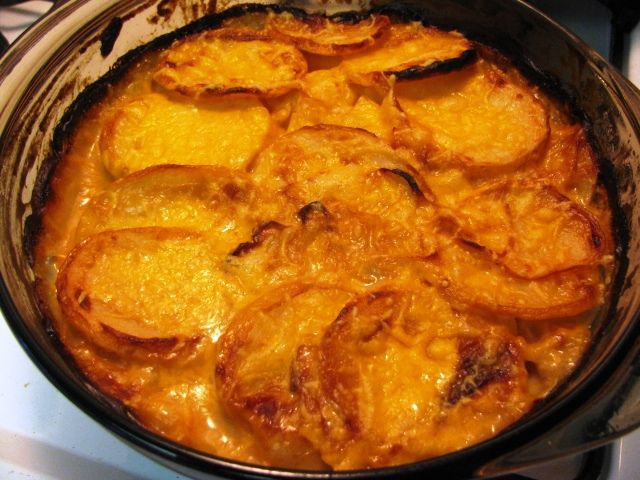 Skinny Scalloped Potatoes Gratin, Weight Watchers Recipe. Made this tonight. It was to die for! You would have no idea it was healthier for you.