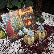 Купить или заказать Набор Винтажный Новый год в интернет-магазине на Ярмарке Мастеров. Винтажное сердце (11 см) в подарочной упаковке станет незабываемым новогодним подарком и произведет неизгладимое впечатление на окружающих.Сердце пластиковое, не бьется.Шкатулка из березы. Декупаж. Предметы можно приобрести отдельно: шкатулка- 2200 руб. Сердце - 800 руб. Все материалы использованные в работе не токсичны, на водной основе. Если вы хотите всегда быть в курсе событий моего магазина,…