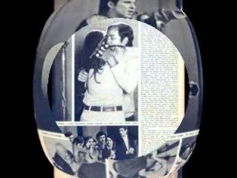 Geraldo Vandré (Pra não dizer que não falei das flores) ao vivo no III FIC - 1968 - YouTube