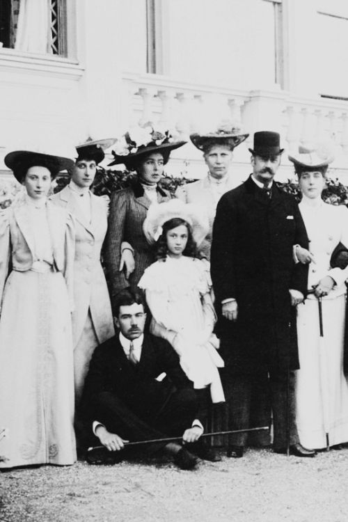 """""""Crown Princess Margaret with relatives at Bernstorff c.1908. Princess Dagmar of Denmark, Princess Ingeborg, Crown Princess Margaret, Crown Prince Gustav Adolf, Princess Margarete of Sweden, Queen Louise and King Frederick VIII of Denmark and Queen..."""
