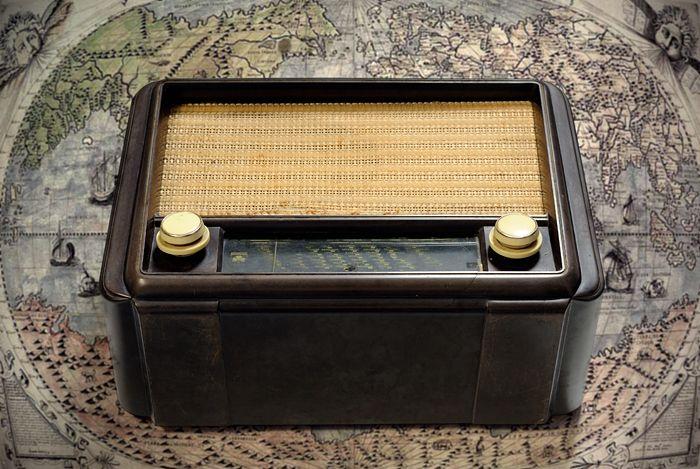 senARTPhotography: OLD RADIO - GRUNDIG