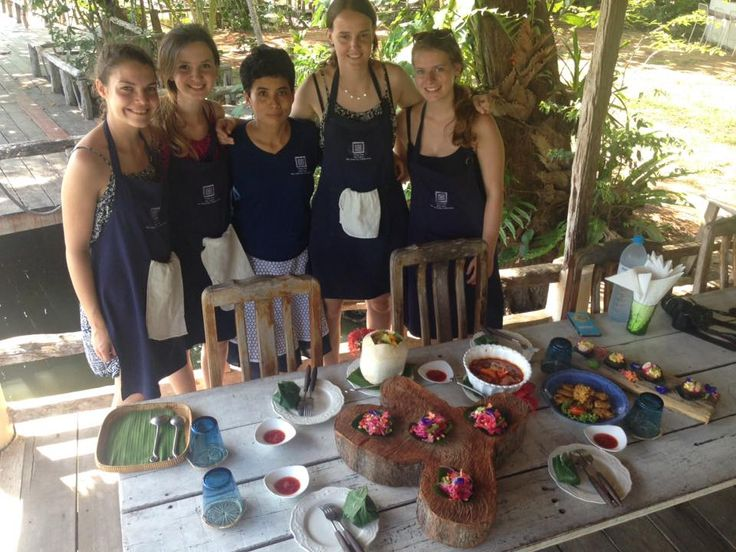 Join one of our daily classes and learn to cook delicious Thai food at Blue lagoon Thai Cooking School on Koh Chang island, Thailand. http://www.kohchangcookery.com/