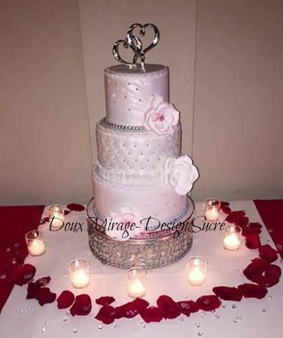 White wedding cake,