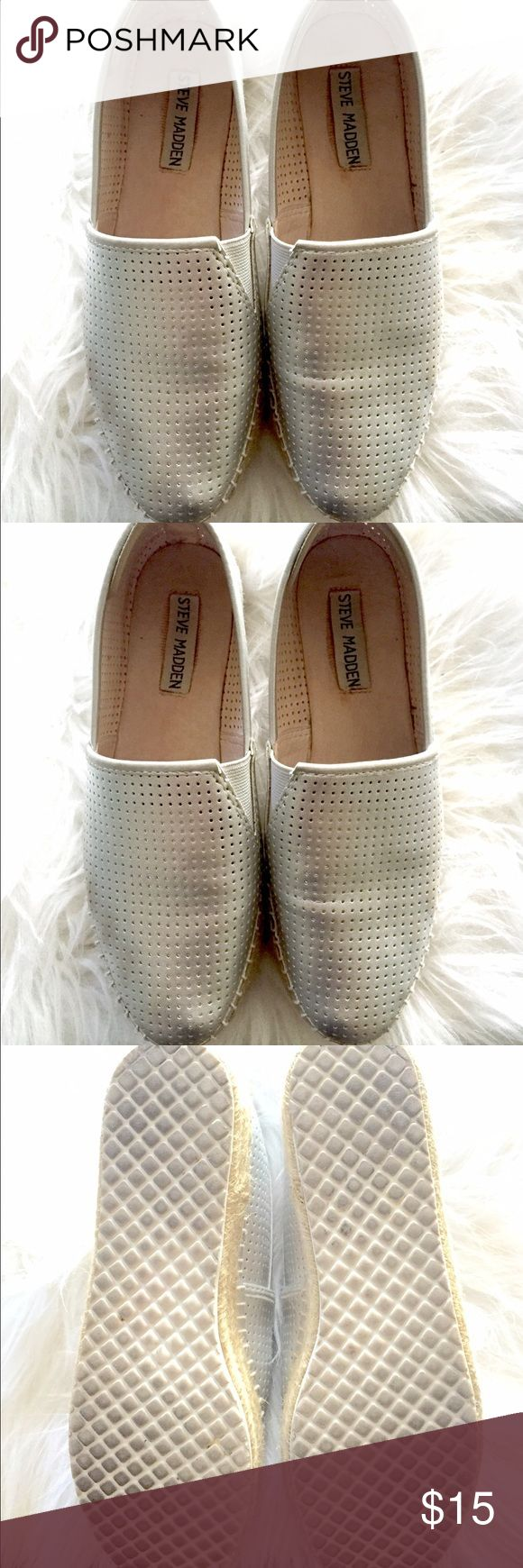 SALE!!! STEVE MADDEN Espadrilles Silver Espadrilles, in good conditions! Very comfortable ! Steve Madden Shoes Espadrilles