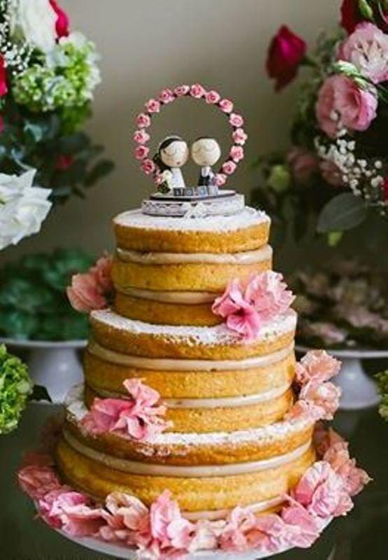 Naked cake por Carolina Sales - Casamento no campo - Foto Lia Soares