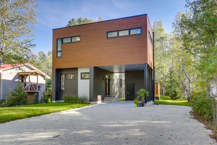 Blue Mountain Turns Green! Quality Homes partnered with Greenhome Developments, resulting in building the first GreenSeal® Platinum Certified Home in Blue Mountains. Learn more here http://qualityhomes.ca/blog/blue-mountains-turn-green/