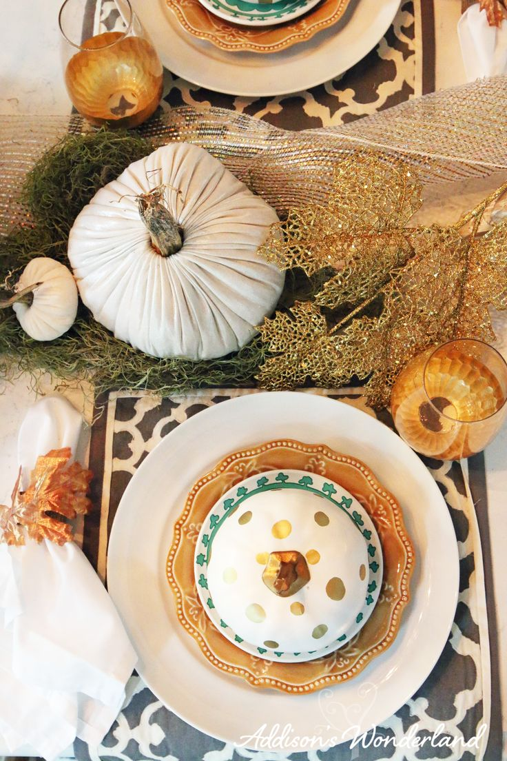 Setting The Perfect Holiday Table