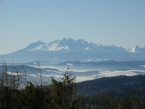 Widok na Tatry z wyciągu narciarskiego Szczawnik (zoooom) :)