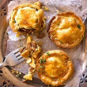 Easy, Savoury Mince Pies:  Mouthwatering savory mince and potato filling, with garlic, chilli and herbs.