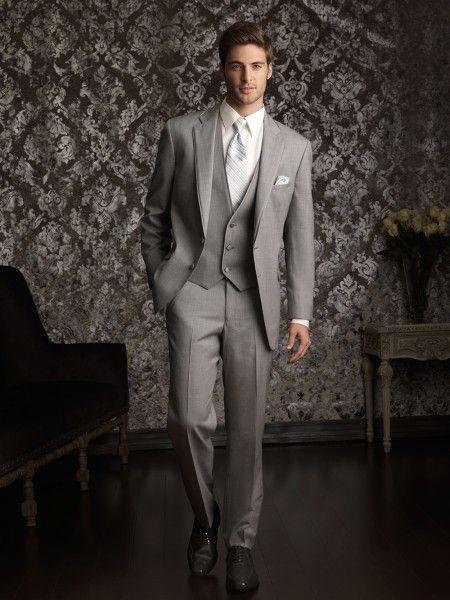 10 mandamientos para escoger el traje de novio perfecto: domina el arte de los botones. Foto Allure Men.