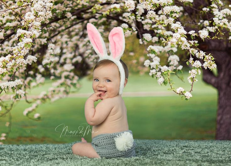 This little Easter bunny is striking a pose! www.maxxandmephotography.com