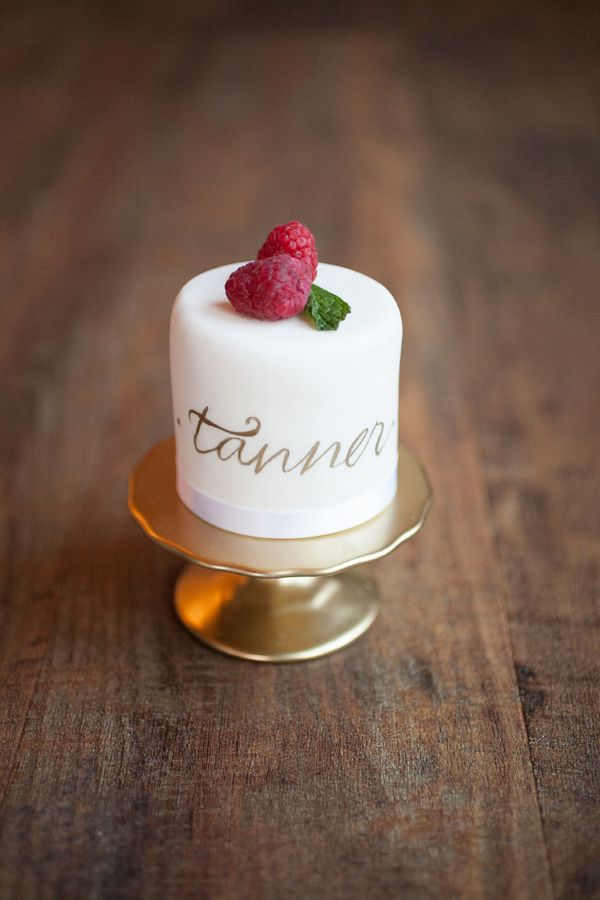 Personalized mini cake as a place card. Love this idea!!