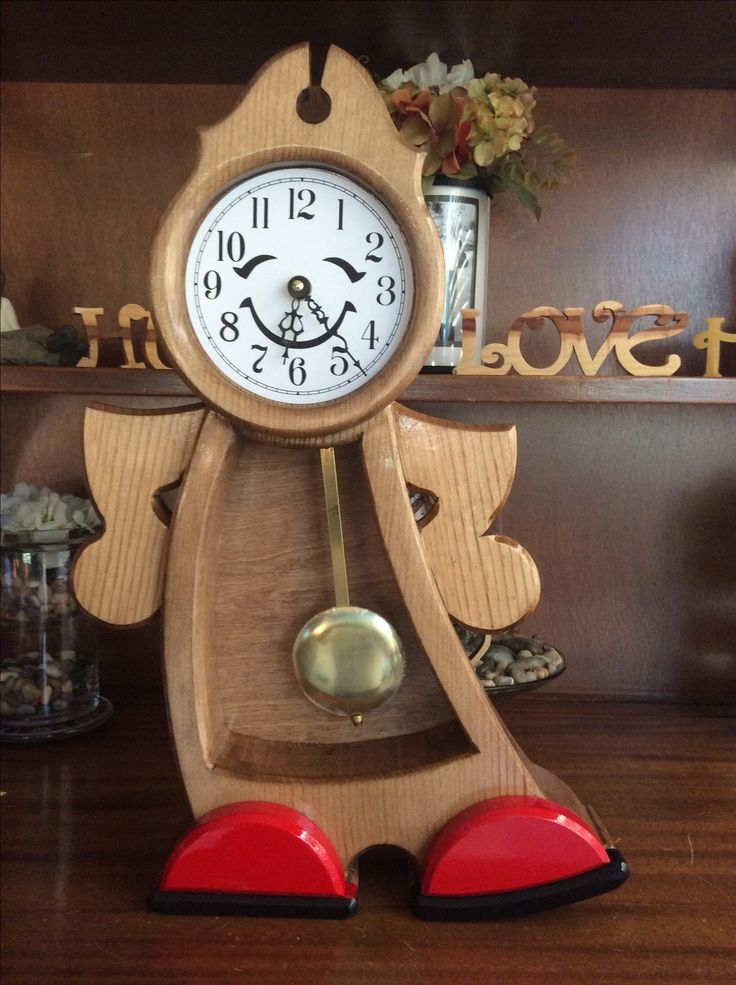 Jiggity Diggity clock. Pattern from Wood Magazine. It's an older pattern I finally tried. Makes ...