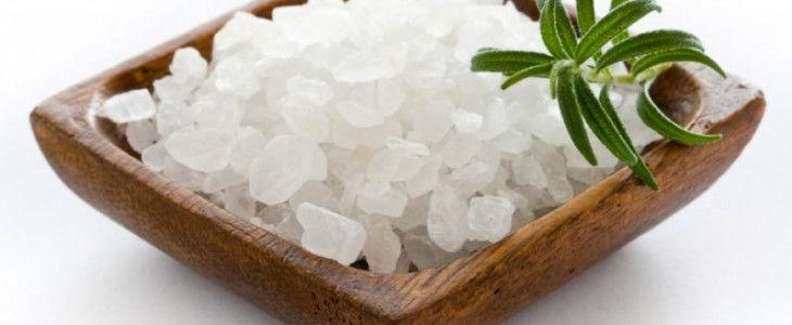 Usate il sale solo per Cucinare? Ecco 7 usi alternativi del sale
