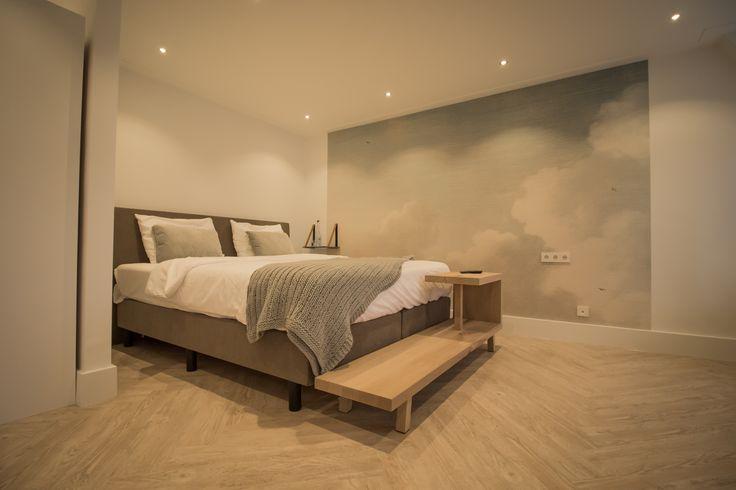 Onze bedbanken staan super in de hotelkamers van hotel Tesselhof of Texel! Wij maken deze in elke maat! #leveninstijl #leveninstijlmeubelmakerij #bedbank #bankvoeteneindbed #hoteltesselhof #texel #bedbankopmaat