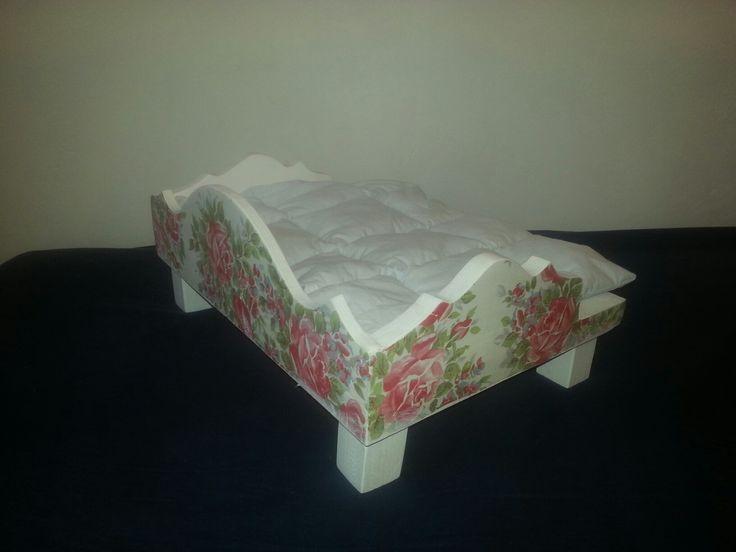 кроватка в стиле Прованс для любимых питомцев
