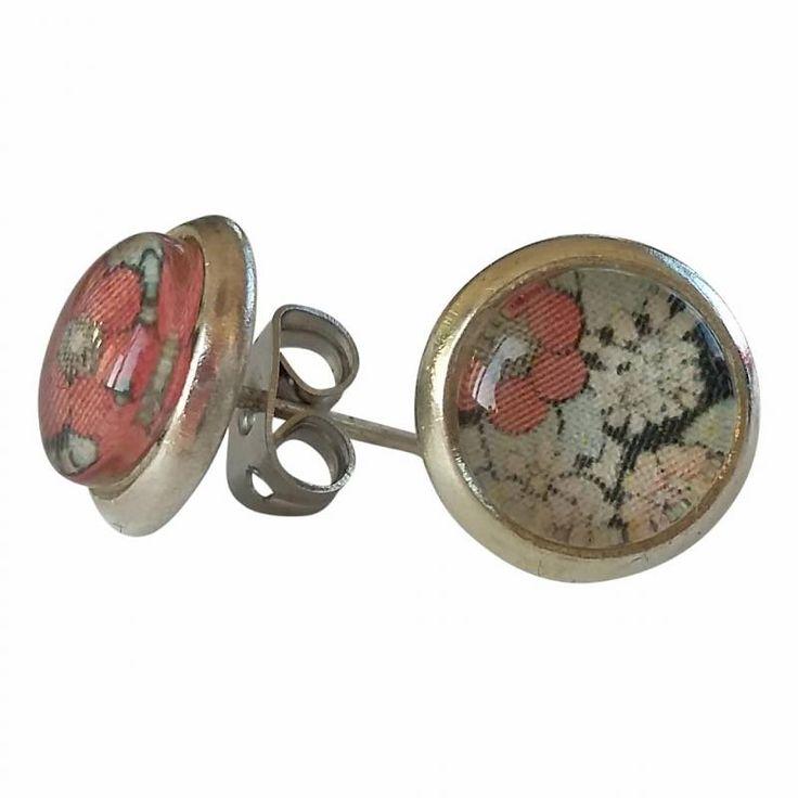 Skinnar Malin Oorbellen - knopjes met met  roze zwart retro bloemen design