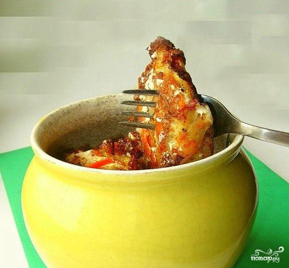 Драники в горшочке с грибами / слоями: драники, обжареные грибы с луком, соус из масла слив. муки и сметаны, сыр, и так два раза