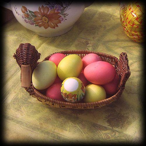 Пасхальные яйца, крашеные яйца