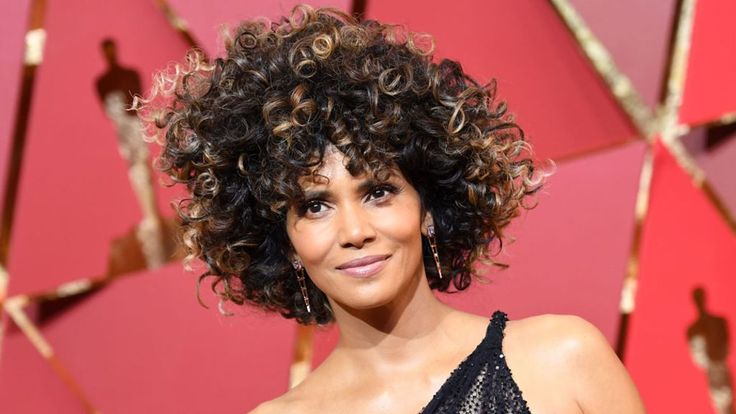 Halle Berry: Was her Oscar win worthless? - BBC News