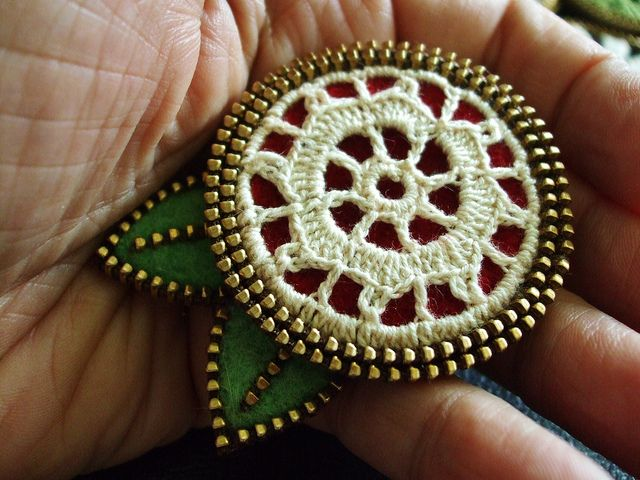 Knitting Zipper Tutorial : Best images about crochet brooches on pinterest