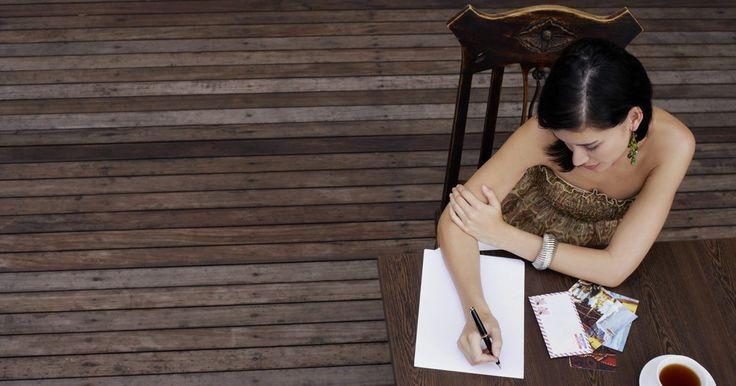 Como escrever um ensaio sobre poesia. Um ensaio sobre poesia avalia um poema. Analisam-se as palavras, os sons, os sentimentos e os tópicos que o poeta usa no poema. Um ensaio sobre poesia deve incluir uma análise do tópico, da mensagem, do ritmo e da escolha de palavras. O texto deve conter também tanto introdução quanto conclusão.